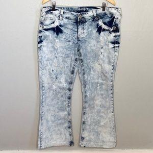 Amethyst Acid Wash Crochet Pocket Stretch Jeans